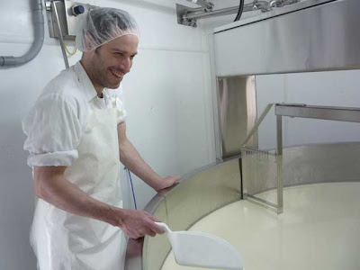 Cheese making at the Fromagerie La Station