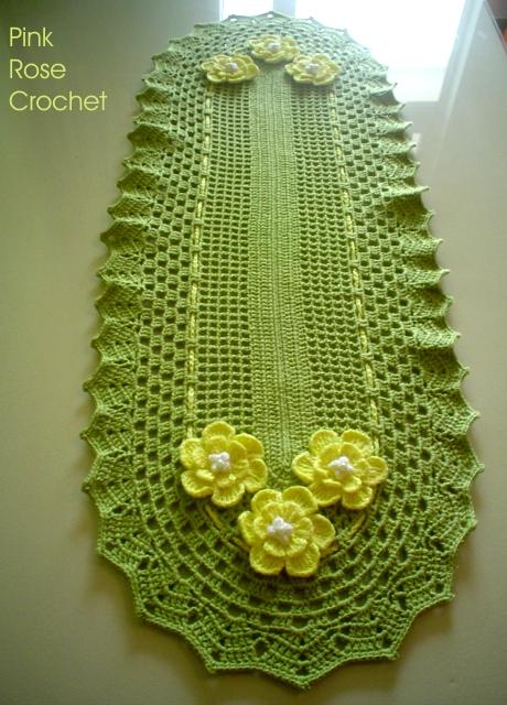 Pink rose crochet centro de mesa trilho ou caminho verde for Centro de mesa a crochet