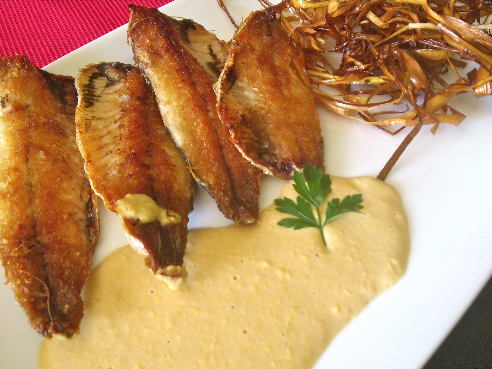 Cocinan 2 sardinas a la plancha con salsa de mostaza - Como cocinar sardinas ...