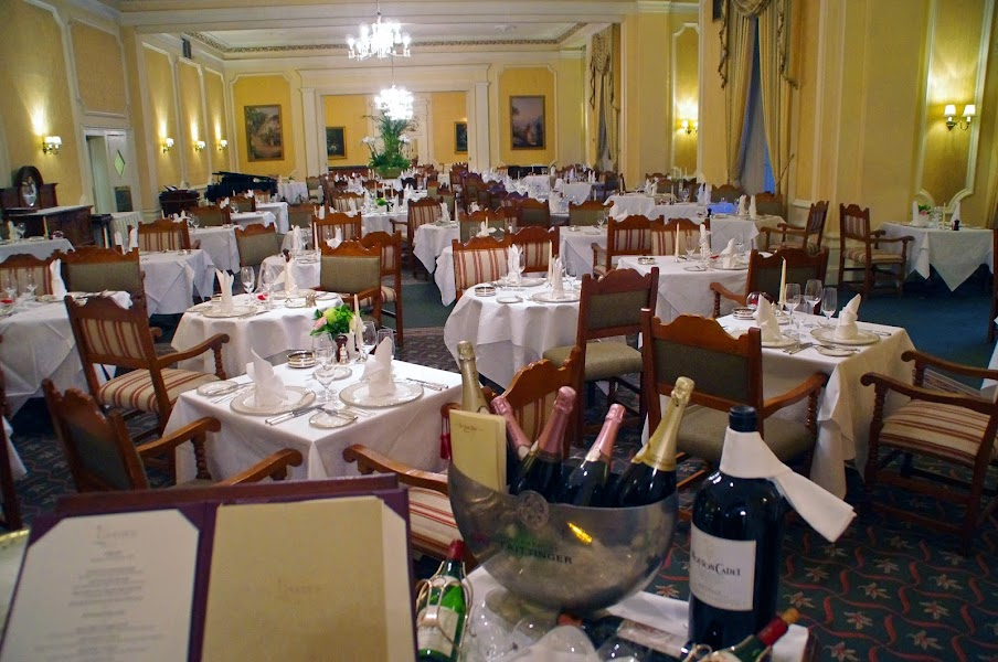 Grand hotel dining