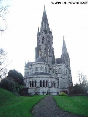 Parte trasera de la Catedral de Cork
