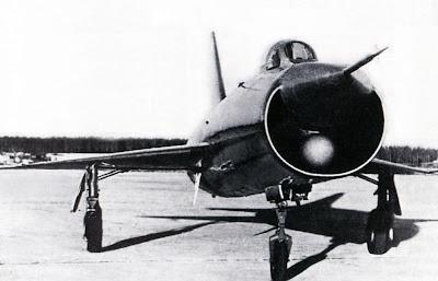 На опытном перехватчике Т-3 была установлена двухантенная РЛС «Алмаз-3».
