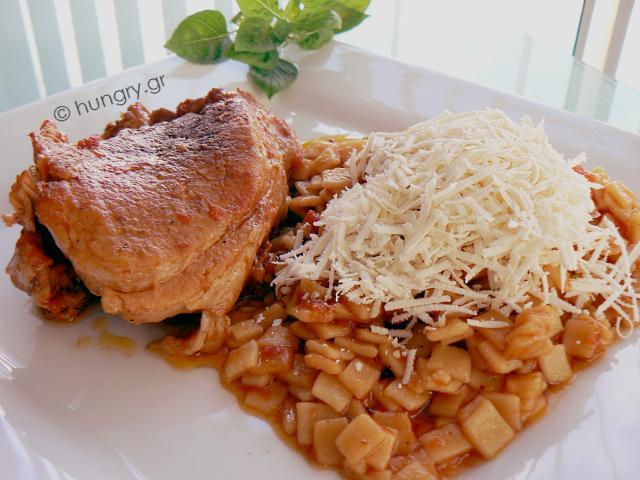 Χοιρινό Γιουβέτσι στο Φούρνο με Χυλοπιτάκι