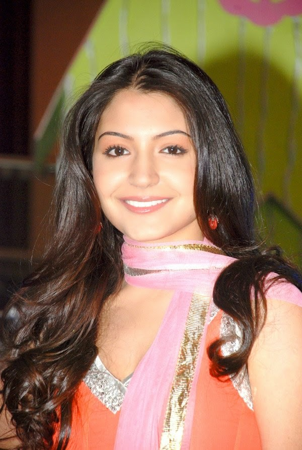 Anushka Sharma In White Mini Skirt and other Hot Pics HD Stills 2014 unseen peekay film hot