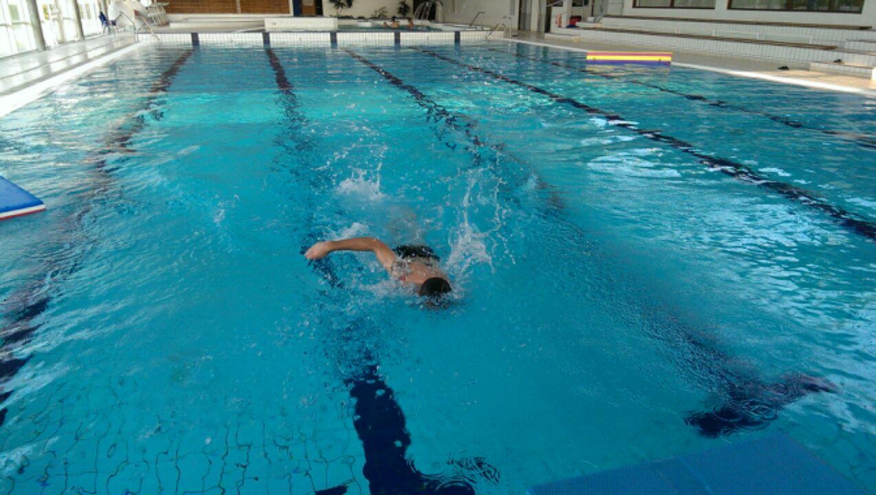 Gr gory capra entra nement la piscine avec les pompiers for Piscine 50 metres
