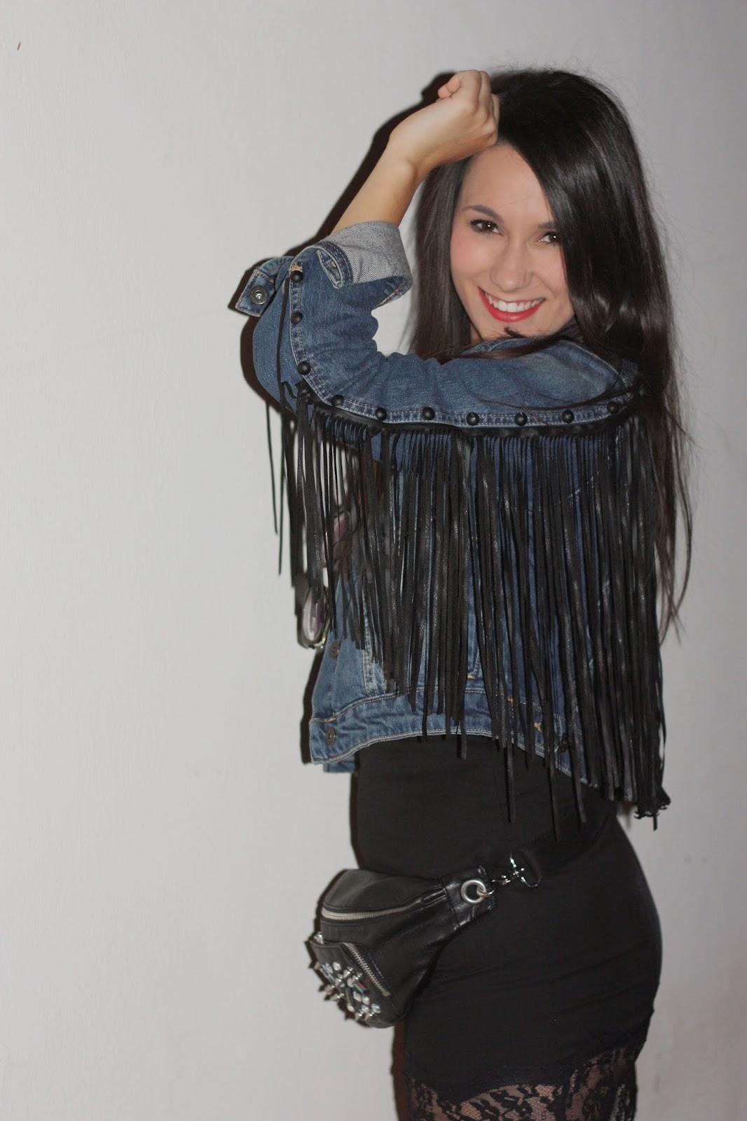 http://silviparalasamigas.blogspot.com.es/2014/05/vestido-lencero-zara-denim.html