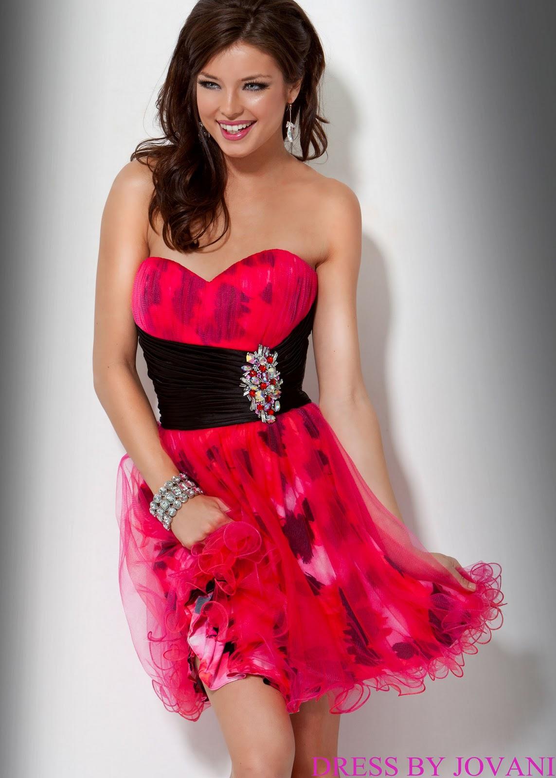Фото красивых девушек на аву в красивых платьях