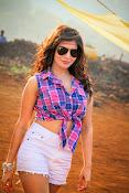 Samantha sizzling in anjaan-thumbnail-2