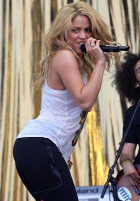 Top 25 Sexiest women Singers Alive 2012 Shakira