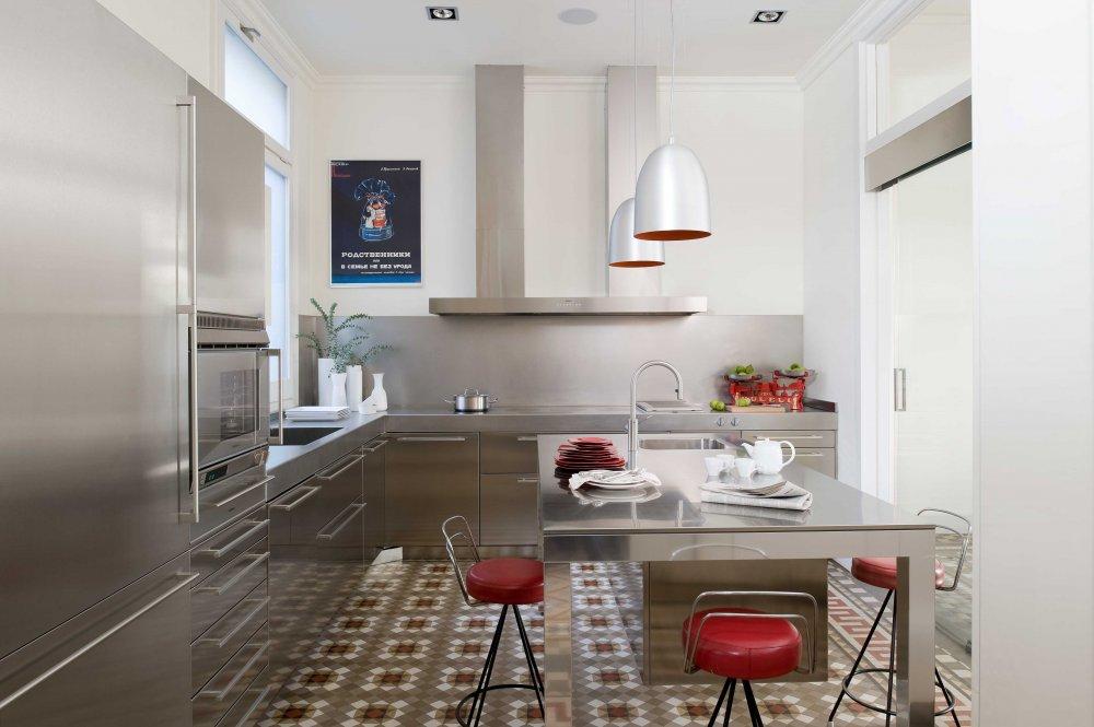 Living in designland interior cocina acero en entorno - Cocinas barcelona ...