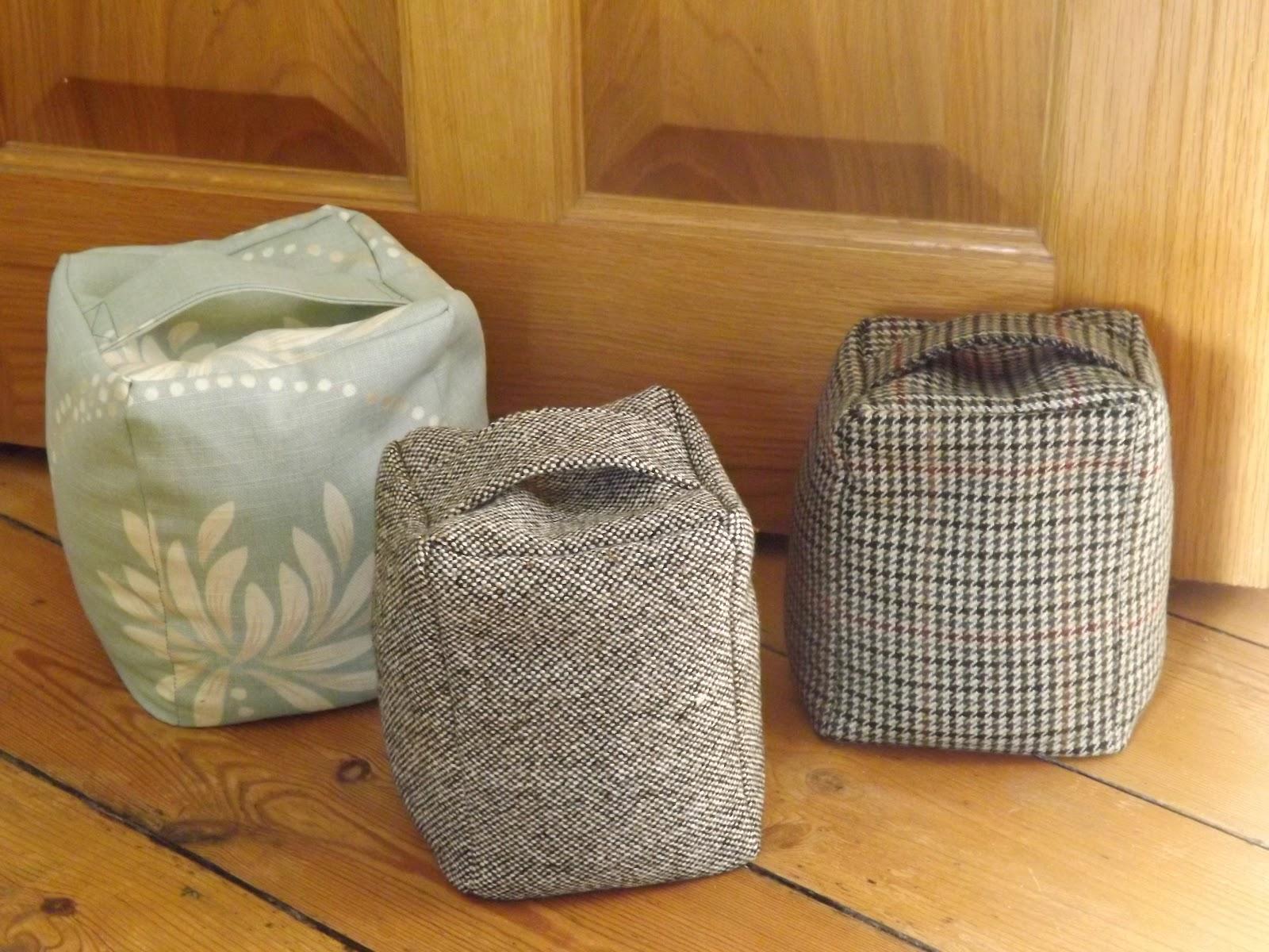 me and my shadow thrifty tweed door stop tutorial. Black Bedroom Furniture Sets. Home Design Ideas
