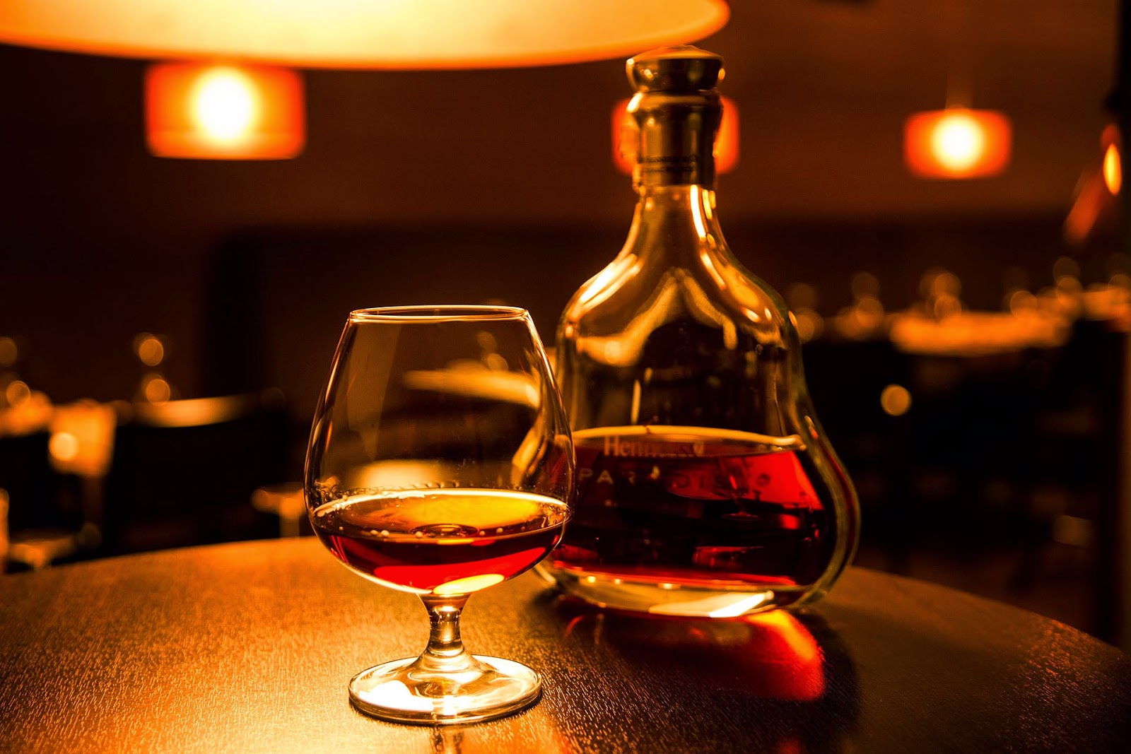 Beneficios de tomar brandy tragos y copas recetas de for Copas para whisky