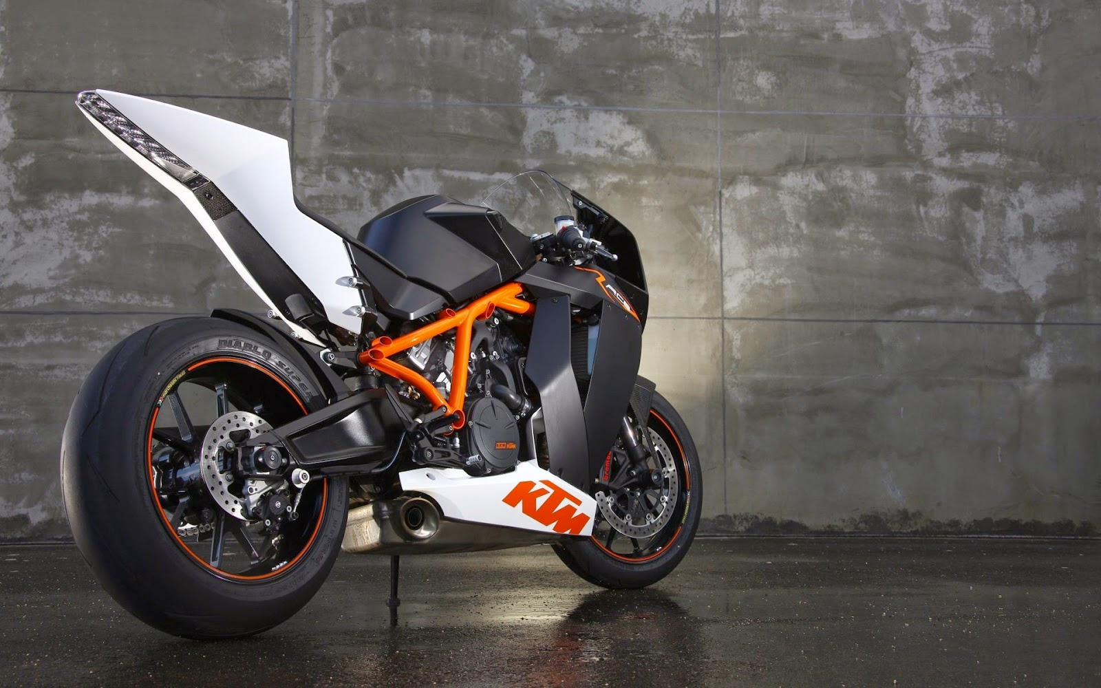 Global Pictures Gallery Bikes Full Hd Wallpaers