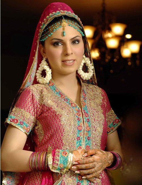 Latest Bridal Mehndi Dresses in Pakistan