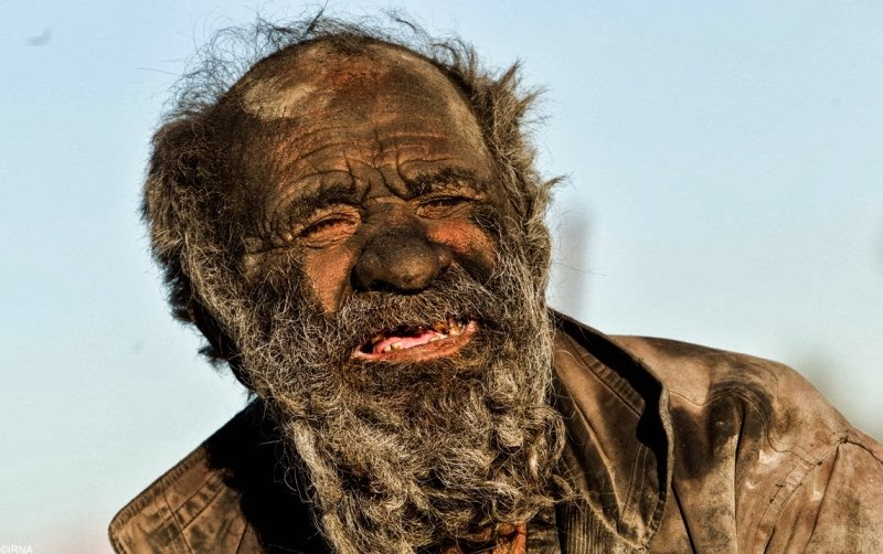 Guy breaks world record for not bathing -- 60 YEARS!