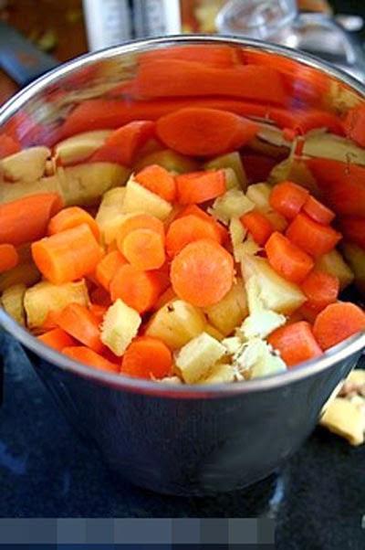 Tự làm nước ép dứa Cà rốt thanh mát cho ngày nóng 2