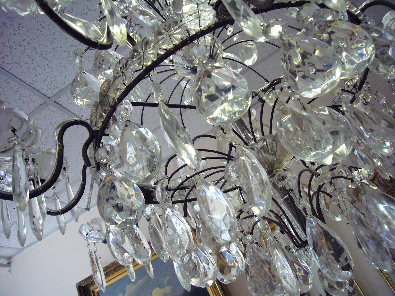 lampadari rimini : Tantissimi cristalli e gocce di luce in tantissime dimensioni