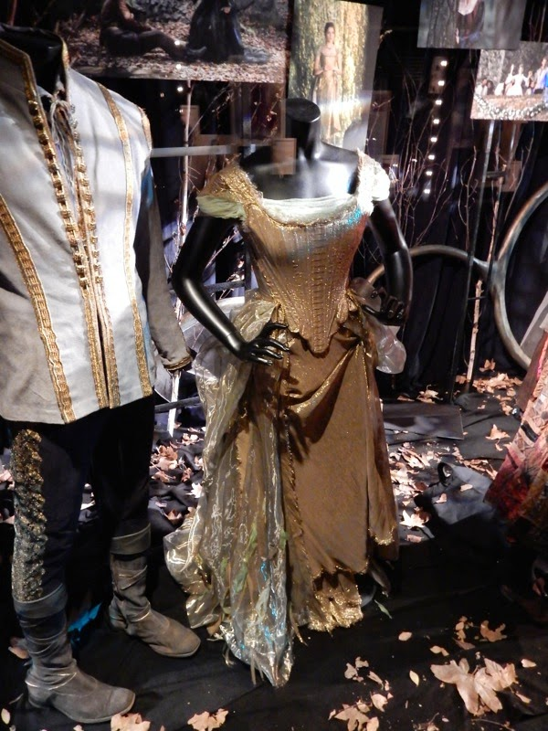 Anna Kendrick Into the Woods Cinderella film costume