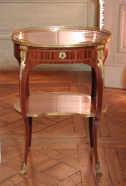 Small Oval Writing Table (one of a pair), Roger Vandercruse called Lacroix, ca. 1775