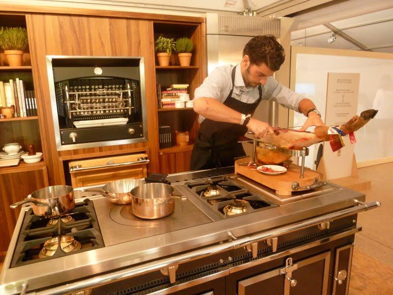 Club gastronomique prosper montagn par alain kritchmar for Piano de cuisine la cornue