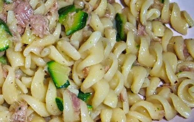 pasta con tonno sott'olio e zucchine