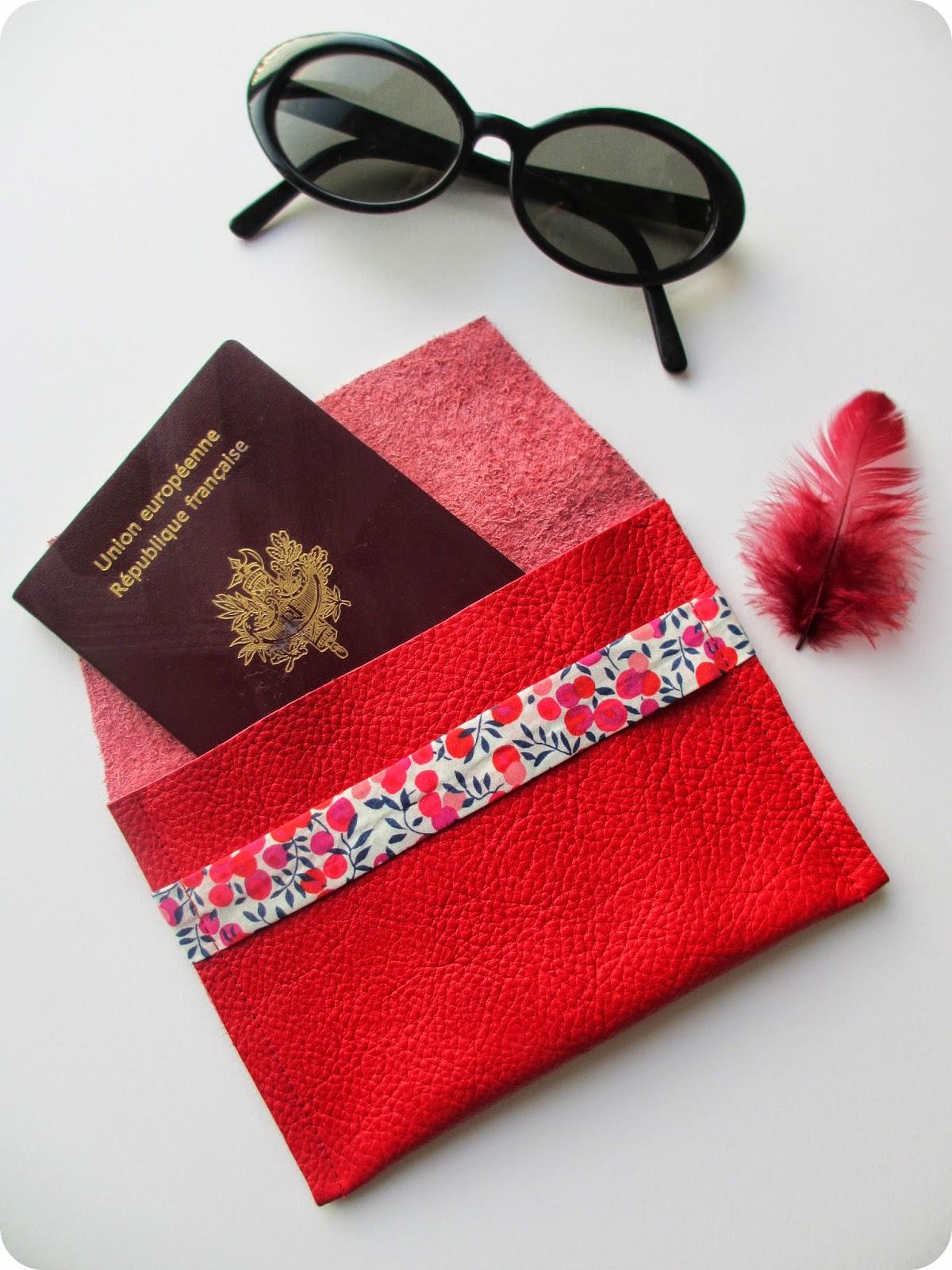 tadaam diy tuto pochette passeport. Black Bedroom Furniture Sets. Home Design Ideas