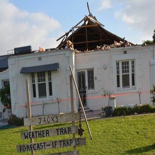 Kingston_tornado_damage_photo_natural_calamities
