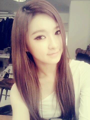 Eyoung after school selca