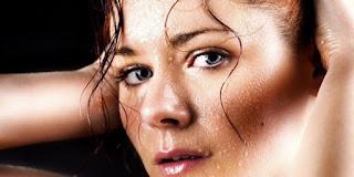 Penyebab Dan Cara Mengatasi keringat Berlebih