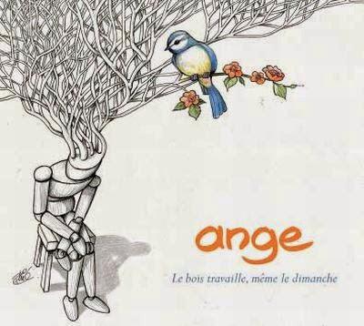 """""""Ange"""" é uma banda francesa de rock progressivo sinfônico formada no final de 1969 pelos irmãos Francis (tecladista) e Christian Décamps (vocalista). Eles eram inicialmente influenciados pelo """"Genesis"""" e pelo """"King Crimson"""", muitos consideram uma das mais importantes bandas de prog da França, sua música é uma mistura de rock progressivo com o folk francês de uma forma bem teatral e poética, a música, mas principalmente suas letras, são inigualáveis. O primeiro sucesso deles foi uma versão da canção """"Ces gens-là"""" de """"Jacques Brel"""", presente em seu segundo disco """"Le Cimetière des Arlequins"""" de 1973. Os outros três membros da banda, nos primeiros anos (comumente considerados os melhores anos da Ange) eram """"Jean-Michel Brézovar"""" na guitarra, """"Gérard Jelsch"""" na bateria e """"Daniel Haas"""" no baixo e na guitarra acústica. Em 1995, eles fizeram uma turnê de despedida. """"Christian Décamps"""" lançou alguns discos como """"Chistian Décamps et Fils"""" (Christian Décamps e Filho), antes de retomar o nome """"Ange"""" em 1999 (usando a banda de seus discos solo, incluindo seu filho """"Tristan""""), com o disco """"La voiture à eau"""". Trinta anos depois, após várias mudanças na formação, o vocalista """"Christian Décamps"""" leva a nova geração """"Ange"""" ao lado de seu filho """"Tristan"""" nos teclados, """"Hassan Hajdi"""" nas guitarras, """"Thierry Sidhoun"""" no baixo, """"Caroline Crozat"""" nos vocais e """"Benoît Cazzulini"""" na bateria. Esta banda é mais do que altamente recomendada e escuta obrigatória para fãs de rock progressivo sinfônico teatral, especialmente o período entre 1972 e 1978."""