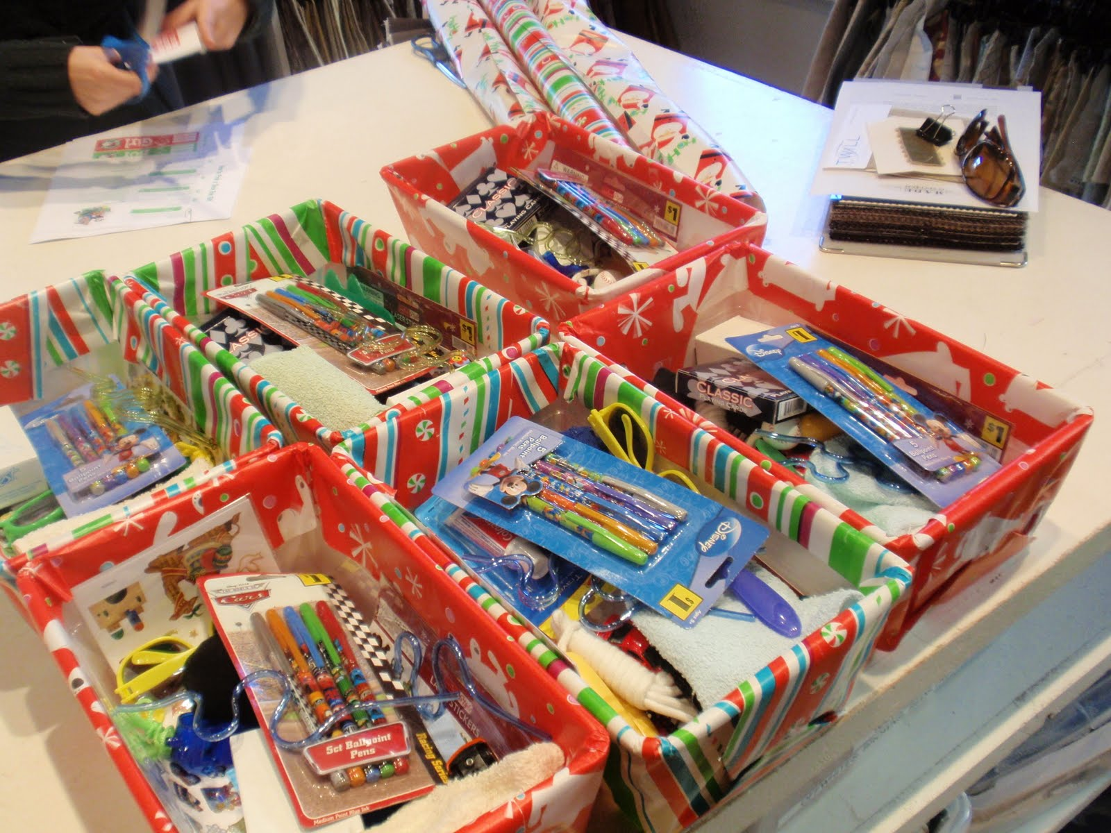 Operation Christmas Child Craft Ideas Part - 30: Hereu0027s Some Pictures Of Some Shoe Boxes I Found Online With Inspirations  And Ideas For You: