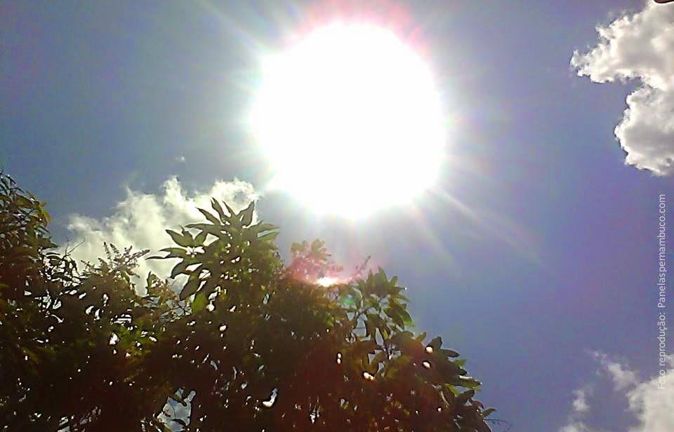 Tempo ensolarado e clima quente em Panelas-PE