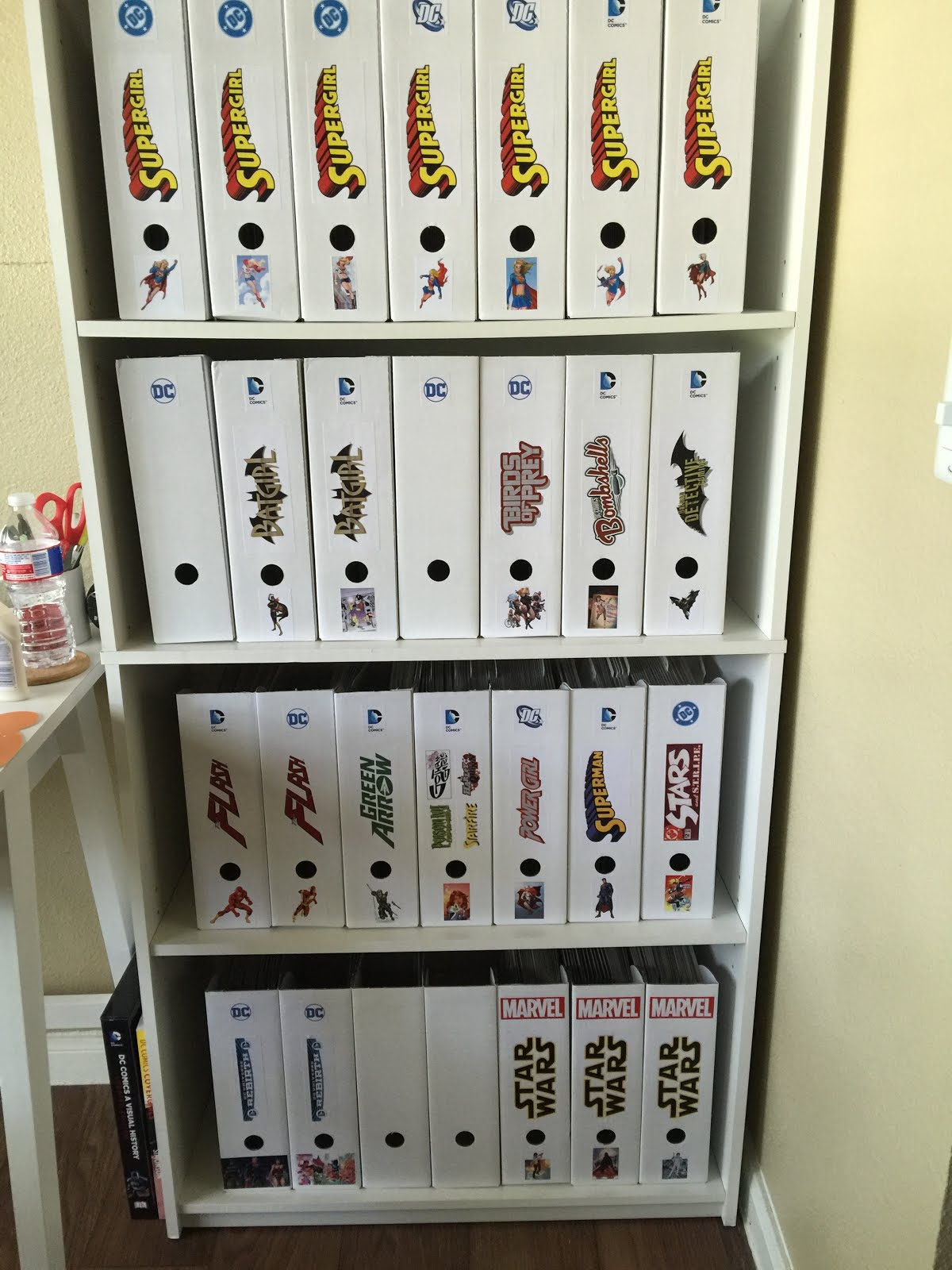easy crafting with kayla creative comic book storage. Black Bedroom Furniture Sets. Home Design Ideas