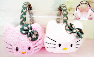 Tutup telinga hello kitty