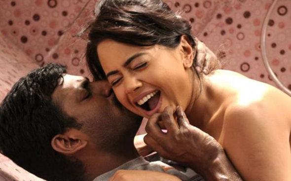 3-tamil-movie-review-hot-stills-gallery-5.png