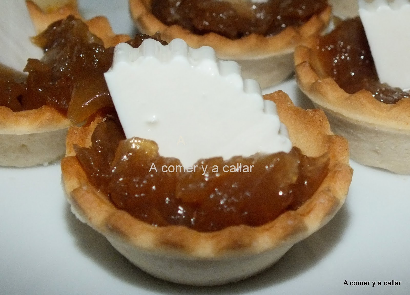 A comer y a callar cebolla caramelizada con thermomix for Canape de pate con cebolla caramelizada