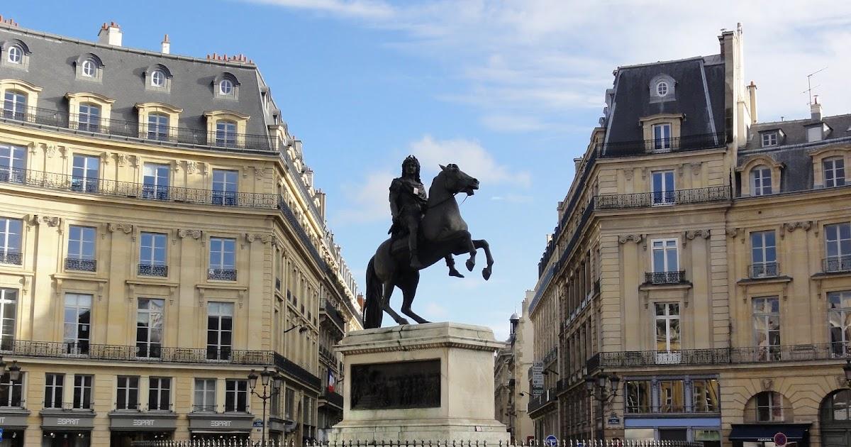 Paris historic walks place des victoires - Place des victoires metro ...