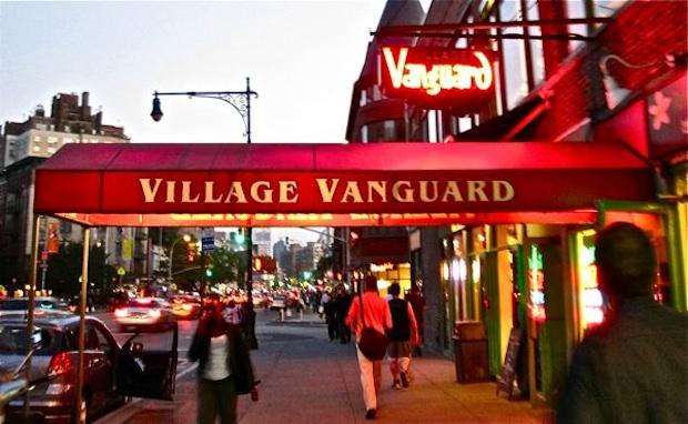 http://3.bp.blogspot.com/-TDrzs0KDalw/Tw2t6u_8n7I/AAAAAAAAQgc/t4fRfmDK_uA/s1600/village-vanguard-new-york-city-2010.jpg