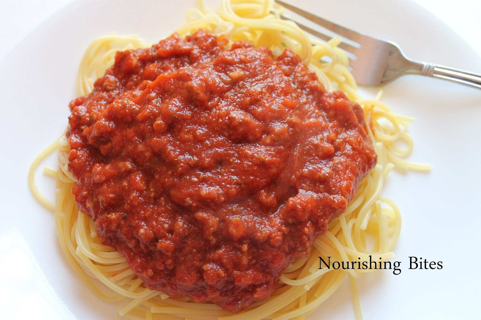 Nourishing Bites: Mom's Spaghetti Sauce
