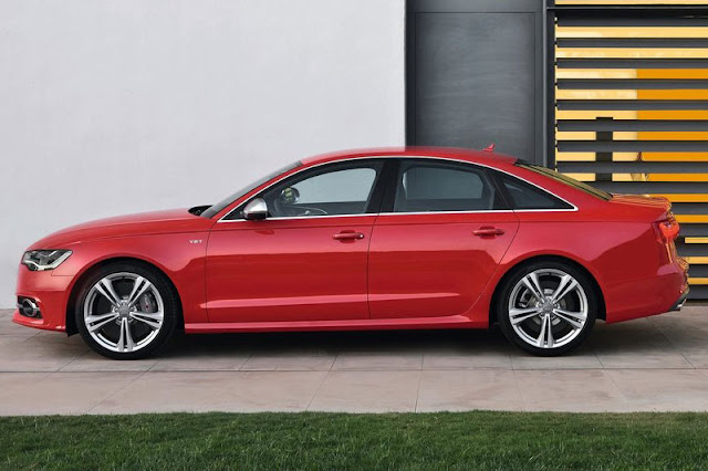 2013 Audi S6 Saloon Red Wallpaper