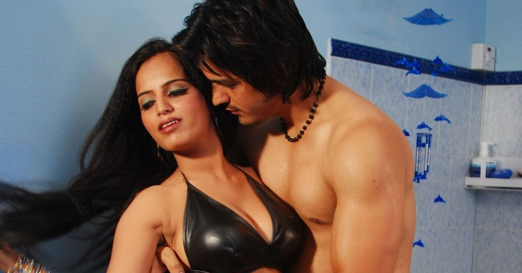 latest movies gallery actress bathing hot images photos