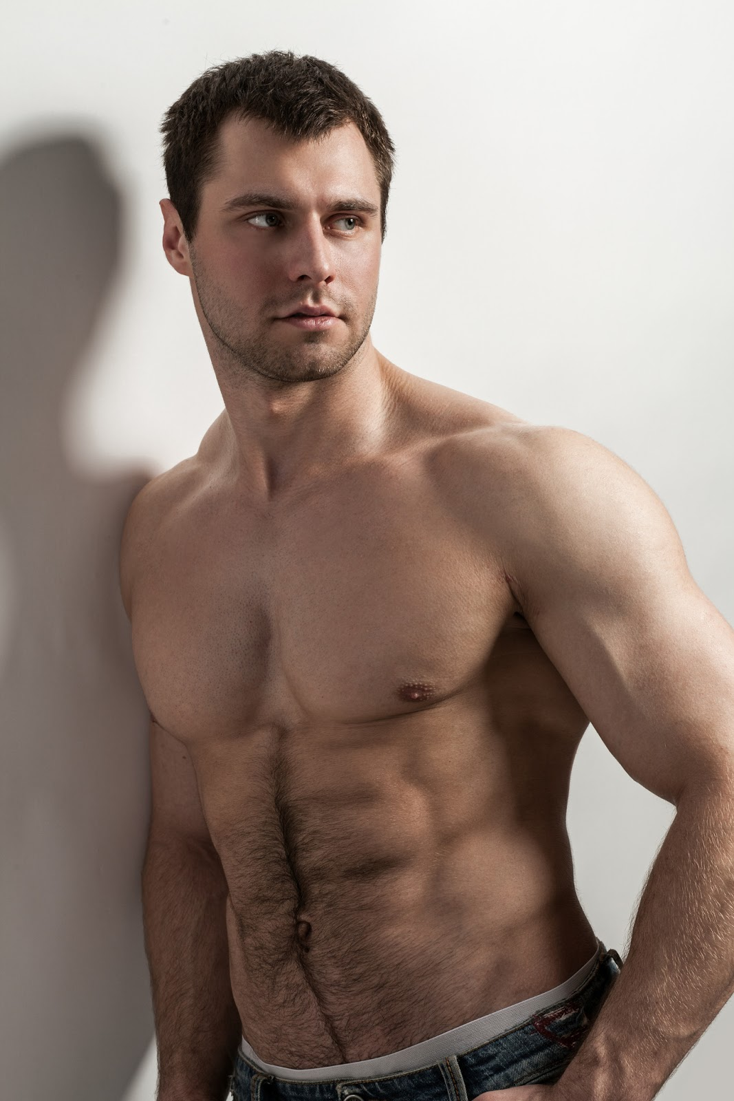 Muscular guy 60 fps foto 78