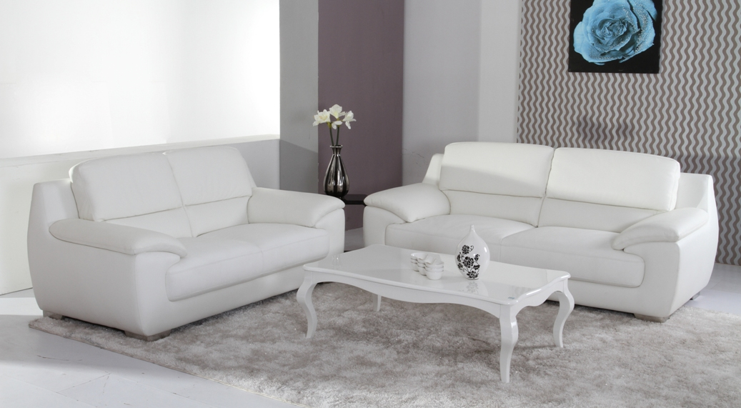 Sofa tele y cama un tr o de incalculable valor - Tipos de piel para sofas ...