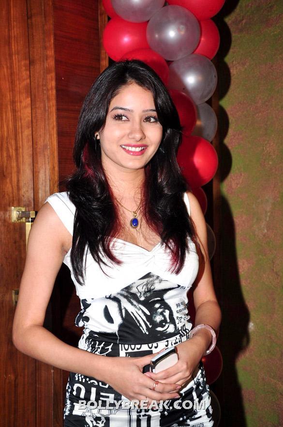 Tv Serial 'punar Vivah' Celebrates Successful 100th ...