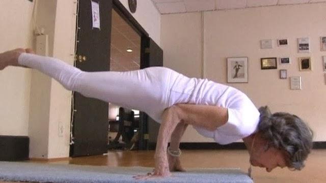 Yoga Pose of the Week: Crow | POPSUGAR Fitness