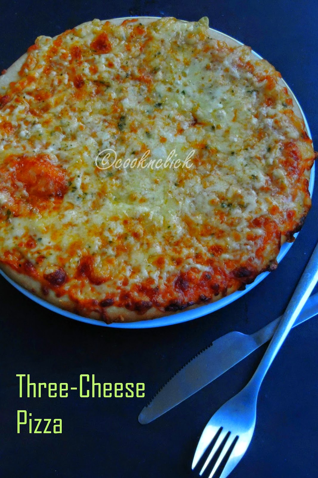 Triple cheese pizza