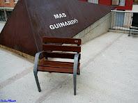 Identificador del mas Guinardó a la Plaça Salvador Riera. Autor: Carlos Albacete