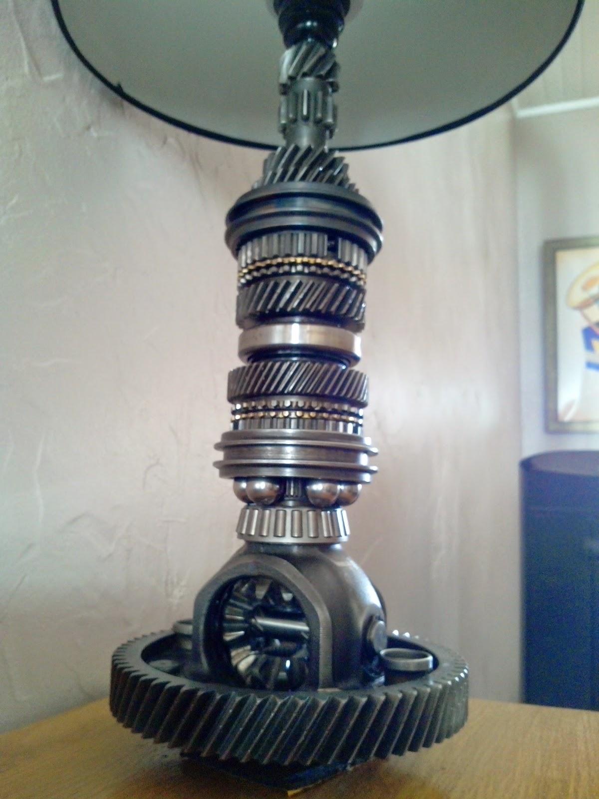 phil de fer lampe avec pignon de bo te de vitesse. Black Bedroom Furniture Sets. Home Design Ideas