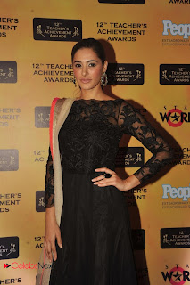 Nargis Fakhri Pictures in Salwar Kameez at 12th Teacher\'s Achievement Awards 2013 0001