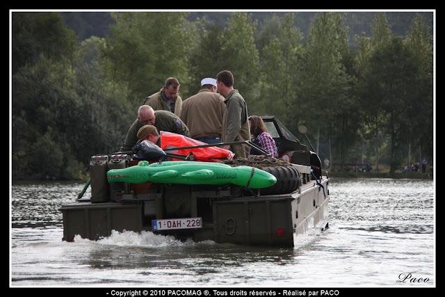 véhicule DUKW dans l'eau des gravières de Donchery